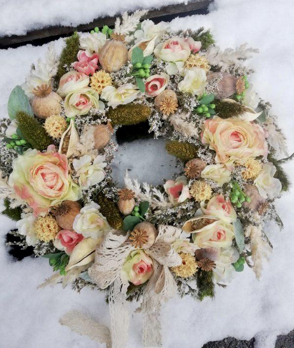 Věnec s květy